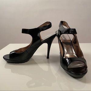 Michael Kors Belinda Sandals Black size 8
